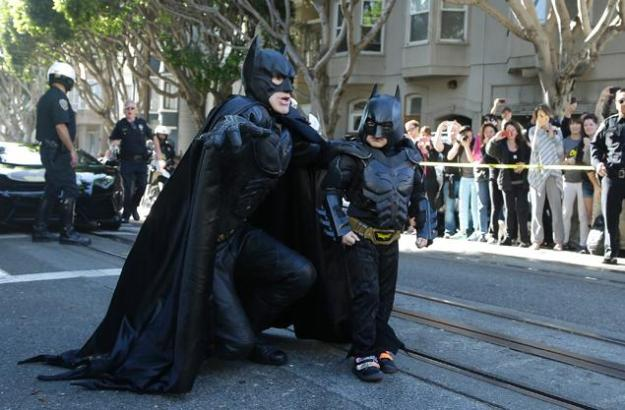 Batman and Batkid from www.dailymail.co.uk - 634 × 412 - Search by image