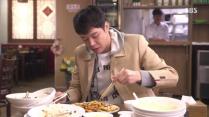 Choi Moo Gak Pigging Out